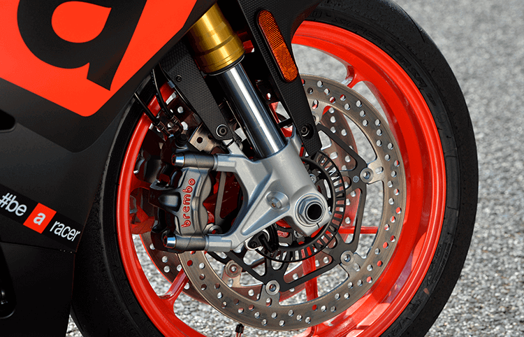 Motos con ABS de curva